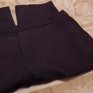 Pinstriped Crop pants